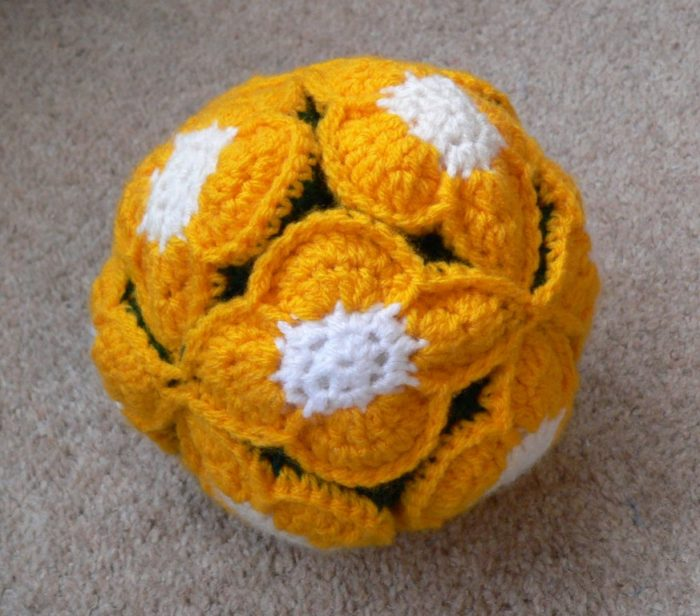 Crochet Flower Amish Puzzle Ball