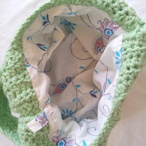 Adding a lining to a crochet bag