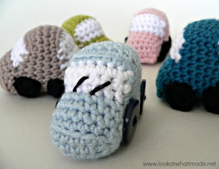 For The Crafty Procrastinator: 7 Car Gifts You Can Crochet At Home ... | 618x800