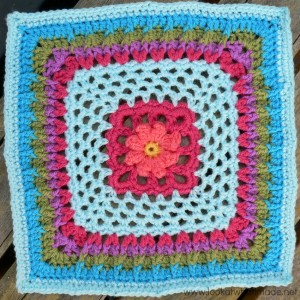 Winter Rose Crochet Square Photo Tutorial