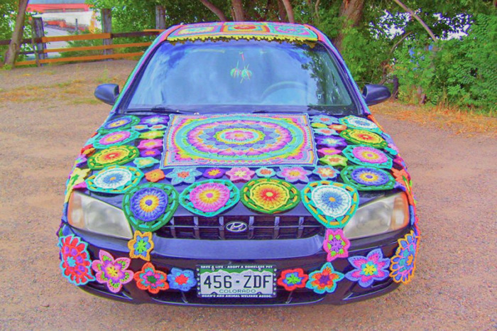 Yarn-bombed Car Noah's Ark Thrift Store