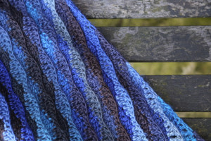 Monday Blues Shawl is a Free Crochet Shawl Pattern by Lookatwhatimade