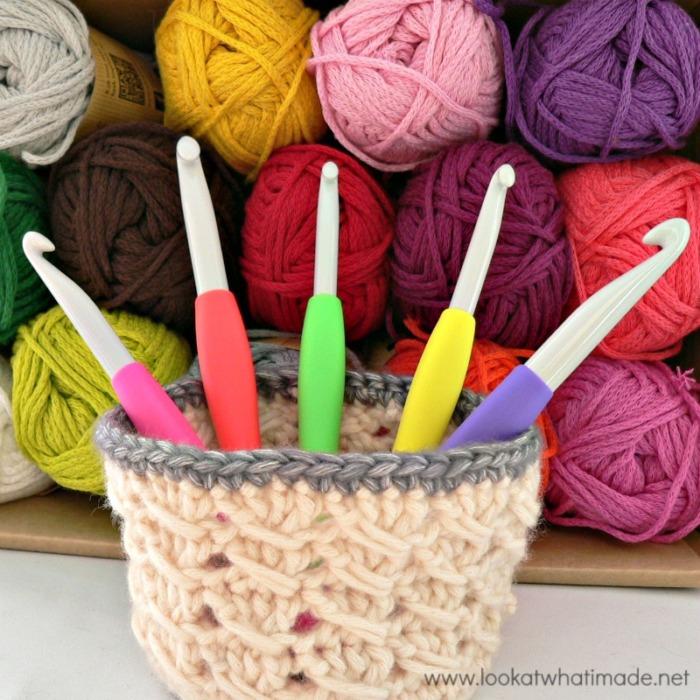 Clover Amour Large Crochet Hooks