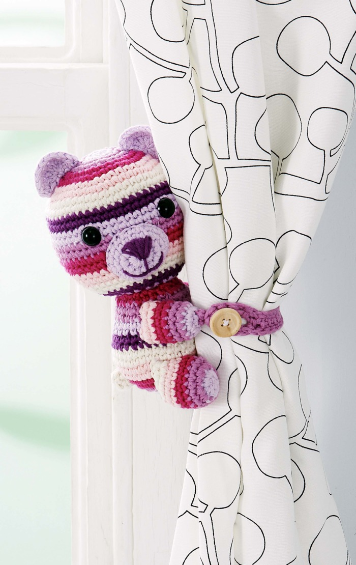 Buddy Bear Curtain Tie by Doroteja Kardum